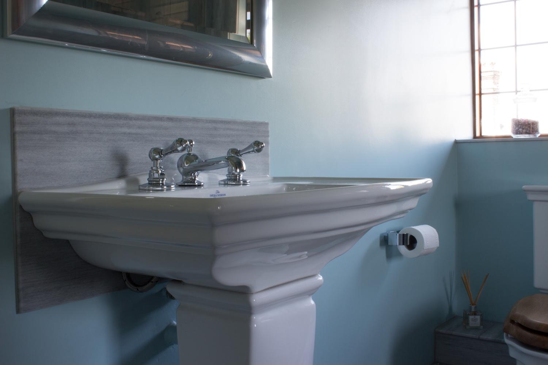 Modern guildford bathroom design installation jeremy for Bathroom design surrey